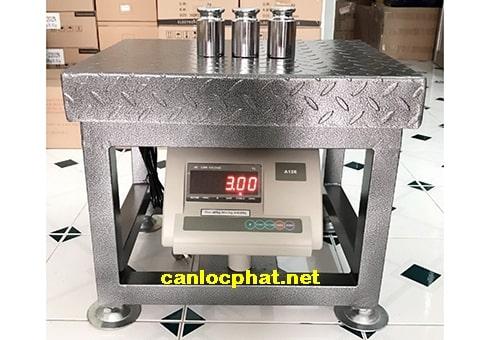 Hình cân điện tử ghế ngồi 100kg